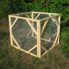 Build Your Own Classic Compost Bin --This compost bin design has been popular for years. It features convenient removable sides and maximum air circulation. --Posted June 18th, 2014 Greg Holdsworth, contributor