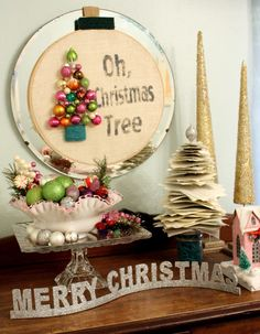 Oh, Christmas Tree Wreath-- embroidery hoop, burlap and small ornaments
