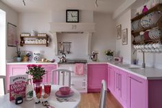 color, small places, decorating ideas, design kitchen, pink kitchens, kitchen designs, dream kitchens, white kitchens, kitchen cabinets