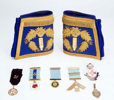 Badges & Masonic medals including 9ct gold & silve