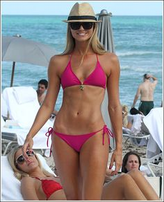 Hands down the best female body in Hollywood.  This is my inspiration pic I look at when I want to give up!