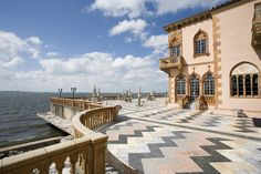 Ca d'Zan Mansion in Sarasota Florida is a beautiful place to visit. It is right on Sarasota Bay!
