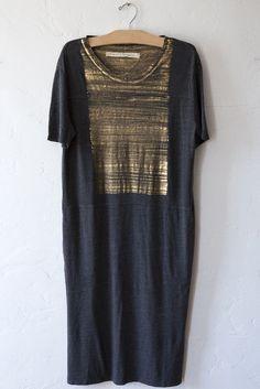 raquel allegra gold paint tee dress – Lost