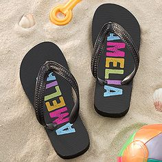 Personalized Flip Flops for kids -  these are GREAT! No more fighting over sandals! They have them in boy and girl colors and you can personalize them with any name! #flipflops #kidsshoes