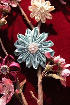 Video on how to make beautiful fabric flowers with Clover's Flower Maker