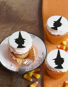 Love these spooky witch cupcakes. #halloween #witch #cupcakes