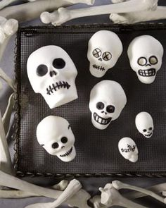 How to make adorably spooky Sugar Skulls this Halloween
