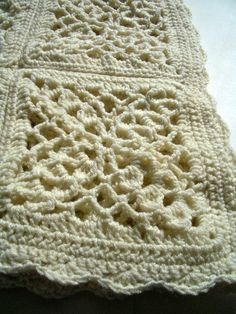 Cream victorian granny square crochet afghan Is there a pattern for this anywhere?
