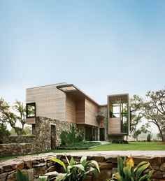 In South Carolina's Lowcountry, a contemporary house soars amid the oaks and alligators. Photo by: Phillip Spears