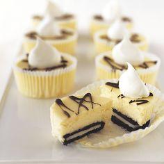OREO Mini Cheesecakes! cheesecake treats, mini oreo, mini deserts, oreo mini cheesecake, oreo cheesecak, mini dessert oreos, easy mini cheesecakes