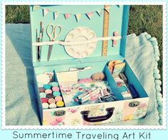 Summertime Traveling Art Kit DIY  with Everyday is a Holiday #summer #art #tutorial #diy #crafts #suitcase #upcycle #vintage #retro #floral