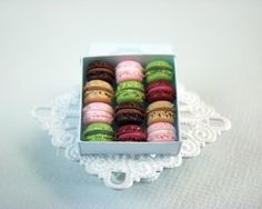 Adorable dollhouse miniatures - including tiny macarons! by Stéphanie Kilgast via #etsy