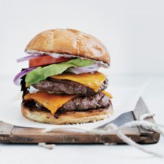 Double Cheeseburgers, Los Angeles-Style / roy choi