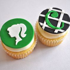 monogram cupcakes.