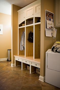 West Des Moines Mudroom & Laundry Room - Grand Homes & Renovations