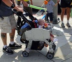 star wars baby stroller! OMG @Whitney Clark Clark Clark Clark Smales please please get this for me when we have kids!!!