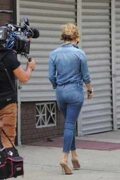 Jennifer Lopez booty in curve hugging denim and high heels