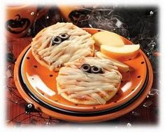 Cool Halloween Party Ideas #halloween #food #foods #party #parties #great #kids #ideas #treat #treats #snacks #fingerfoods #halloweenfoods #halloweenparty #spooky #cool