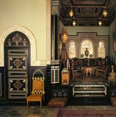 Working with designers Bill Willis in Marrakesh and Jacques Granges in Paris, Yves Saint Laurent turned his villa into a museum of Moroccan handicraft, the Villa Oasis.