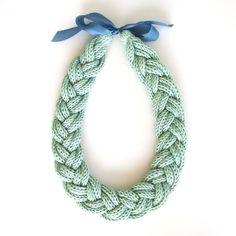 Idée collier tricotin