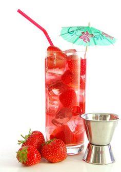 Cocktail sans alcool : fraise, framboise et limonade.