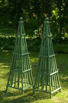 Garden Obelisk art sculpture wooden stained hardwood by CurrentAdz, $149.50. To die for. Amazing detail. So many uses.