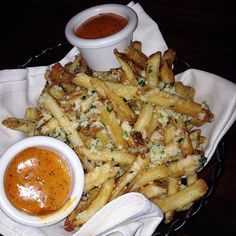 Pomme Fries garlic and parmesan. ✨