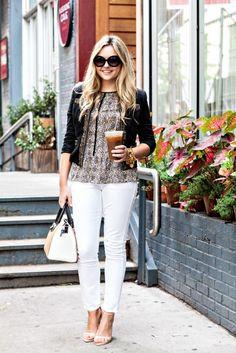 Casual Friday: как носить белые джинсы в офисе