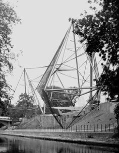 Snowdon Aviary by Cedric Price, Anthony Armstrong-Jones and Frank Newby. 1964. Regents Park Zoo, London.