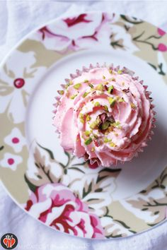 pistachios and rosewater cupcakes