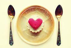 Dîner romantique pour la Saint Valentin. galleries, foods, vintage, cakes, art, valentin cake, places, people, cake crochet
