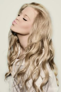 long curly blond hair///