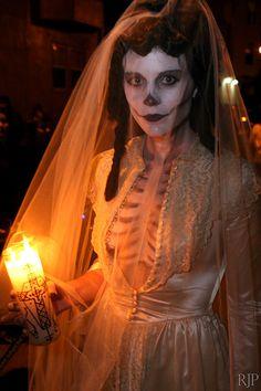 Dia De Los Muertos, costume