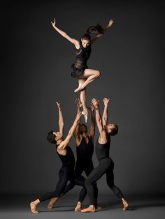 NYC Ballet. Photo by Henry Leutwyler.