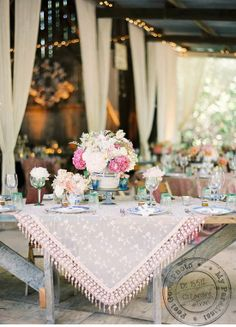 table settings, centerpiec, tablecloth, rustic table, vintage tables