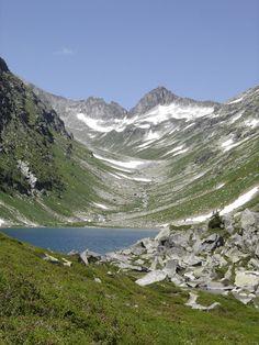 The small Dorfer Lake in the national park Hohe Tauern. #austria #lake #mountain #hohetauern #nationalpark #snow #lake  #hiking #visitaustria