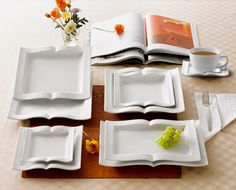 Book Serving Plates - I have got to find these for book club - so cute!!!