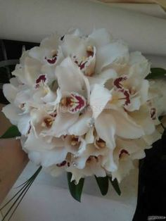#bouquet di orchidee con brillantini