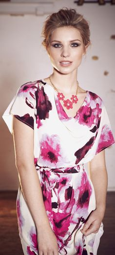 Mode trends for women over 40 50 60 - east prshots - watercolor dress - CLICK TO READ: http://boomerinas.com/2011/12/mode-trends-fashion-clothes-for-women-over-40-50/