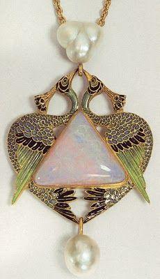 Art Nouveau artists - Lalique Jewelry. Pendants