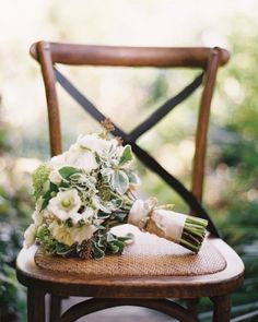 Beautiful green and white wedding bouquet #flowers #rustic