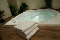 Cleaning Jacuzzi Tub Jets