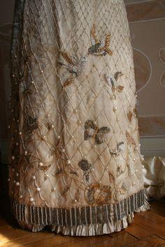 Evening dress, circa 1889, Abiti Antichi (detail) skirt, bird, evening dresses, ball, bead, antiqu embroideri, evening gowns, new fashion, antiques