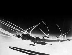 WWII bombs, plane, wwii, aviat bomber, b17 bomber, contrail photograph, aircraft stuff, b17 fli, war