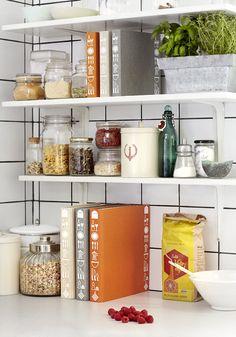 Detalles con encanto (en la cocina) decora con libros de cocina