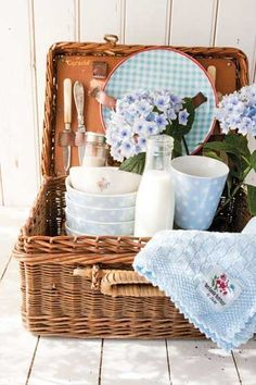 Picnic basket--love it!