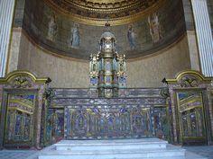 Ficheiro:Napoli Palazzo reale - altare cappella 1040776.JPG