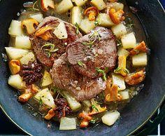 Escalopes de chevreuil avec confit de chanterelles et de poires - Recette - Cuisine de Saison
