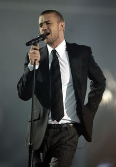 "Yummy! Justin Timberlake....he still has ""it"""