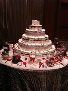 cupcake display for a NYE wedding!